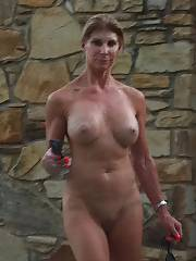 Mature woman gettin