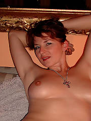 Sexy wife susi showing, milf, redhead, mature, amateur, topless, titts, nipples, shaved twat