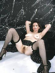 Brunette MILF maleea loves toying her sloppy cunt