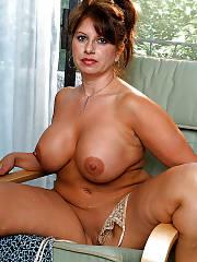 Sexy boobed MILF