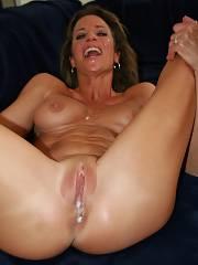 Amazing muff ejaculation