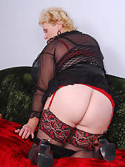 Mature blonde fatty shows you wear to put your bone