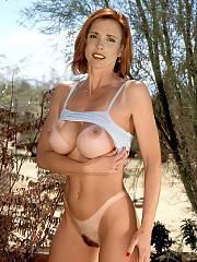 Gorgeous redhead mom