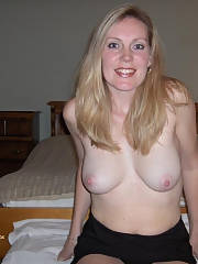 Lovely blond mother in this amazing amature pic