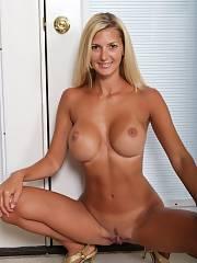 Mom Titis