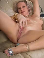 Beautiful blonde milf in incredible vulva picture