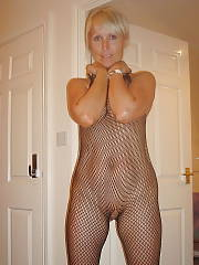 Hot uk MILF sucks