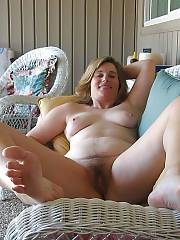 Hot sexy mom undresses nude on cam outdoor.