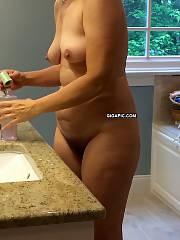 Amateur wifey Liz