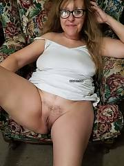 Hot mature house wifey and grand mamma exposing her twat