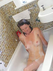 Bath tub slut - slutty english mommy exposing what she thinks are her essential assets. you ask me she has nothing really to offer anymore