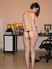 Marias sexy nude pics - loves to hang out and just