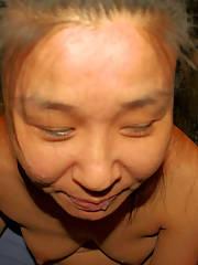 Korean lady sucking pecker