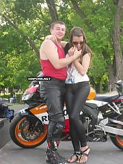 Biker girl and passionate amateur porn with her, see how motorcyclist girl blowing cock and getting her tight bald cunt fucked close up
