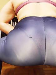 Chubby in yoga pants