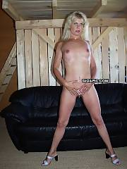 Blondie mature coco toying her wet and shaved pussy