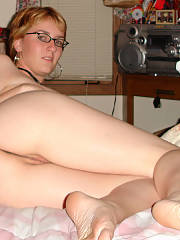 Hanging out at her place being naked and flashing me her private parts, she had just broken up with her dude