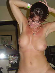 Sexy unshaved mamma