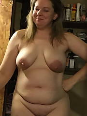 Nude and playful Amateur Babe MILF