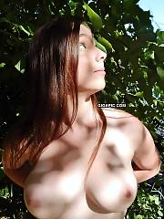 Beautiful first time amateur naked model