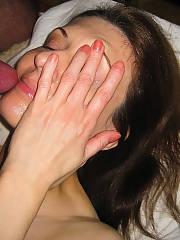Enjoys oral, facial i gulping