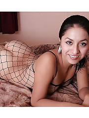 Hot latin girlfriend jessica wearing a hot fishnet