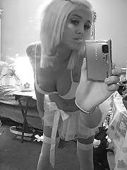 Hot blonde emo teen enjoys selfshot.