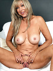 Hot mature beauty