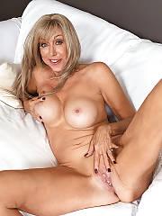 Hot mature beauty