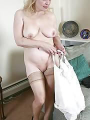 Blond mature mamma