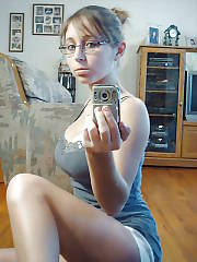 Amateur boobed girlie shyloh loves selfshooting herself naked.