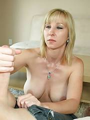 MILF enjoys to blowjob