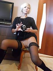 Sexy russian MILF filming herself while toying her pussy.