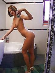 Very hot MILF selfshooting