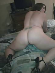 Naked curvy mom