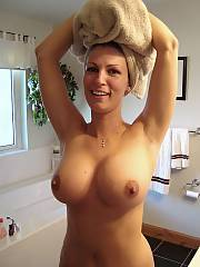 Boobed wifey for