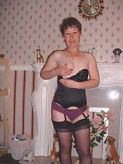 Mamma stripping down and fucking, she swings and even takes two boys on at once!