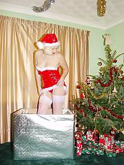 Merry xmas from my mother you dirty fuckers! i hope your wife catches you jerking off to this naughty santas elf