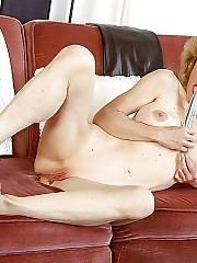Sexy mature cutie