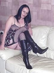 Hotlegs-amateur mature rebel in fishnet stockings.