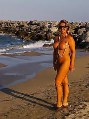 Nudist vera from