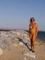 Nudist vera from