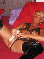Horny mamma sucking dick