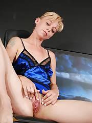 Mamma cris in blue