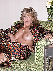 Hot nude mature on cam.
