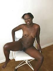 Black mom tomea