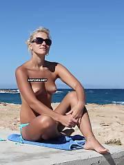 Blond hotty wifey