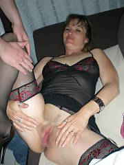 Amateur MILF shows
