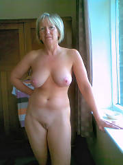 Hot mamma nude
