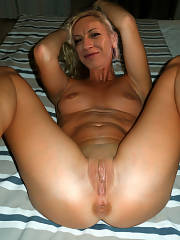 Cute mommy in a awesome rookie vagina picture